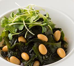わかめと蒸し大豆・黒豆のサラダ
