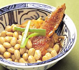 蒸し大豆と手羽先の煮物