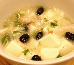 カニの身入り 豆腐と黒豆のうま煮