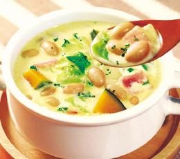 かぼちゃと蒸し豆のクリームスープ