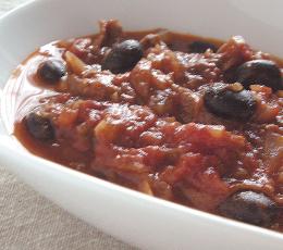 黒豆と牛肉のトマト煮