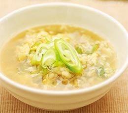 蒸し大麦のたまごスープ